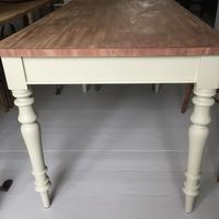 Turned Leg Table (3 of 3)