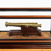 Miniature Brass Cannon in a presentation case (3 of 10)