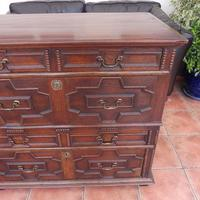 Country Oak 4 Drawer Chest of Drawers splits into 2 c.1670 (4 of 10)