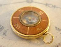 Vintage Pocket Watch Chain Compass Fob 1950s Tan Leather & Gilt Drum Case Fob FWO (4 of 9)