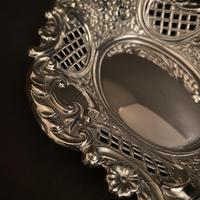 Pair of Flat Silver Swags Flowers & Grille Bon Bon Dishes (4 of 7)