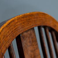 Broad Arm Windsor Chair (3 of 5)