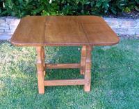 X Mouseman Beaverman Oak Drop Flap Coffee Table (3 of 12)