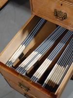 Late Victorian Oak Kneehole Desk (3 of 6)