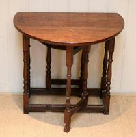 Small Oak Drop Leaf Table c.1920 (2 of 8)