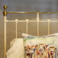 Cream Straight Top Rail Victorian Single Antique Bed with Brass Detailing (6 of 6)