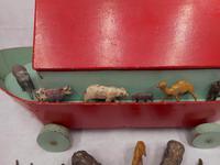 Vintage Wooden Noah's Ark Toy (5 of 8)