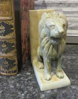 Pair of Onyx Book Ends Sitting Lions on plinth base (5 of 6)