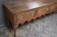 Rare Georgian four drawer dresser base. (13 of 13)