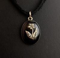 Victorian mourning locket pendant, 15ct gold, pearl (8 of 13)