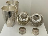 Pair of Decorative Art Deco Style Silver Snowmen Cocktail Shakers (29 of 42)