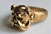 Unusual 9ct gold ring of chunky proportions depicting a well cast Bulldogs head size v (2 of 7)