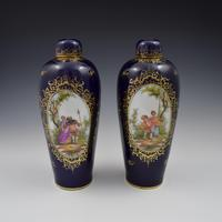 Pair of Large Dresden Porcelain Vases & Covers c.1880 (6 of 12)