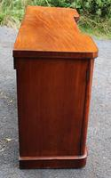 1900's Large Well Fitted Breakfront Mahogany 3 Door Sideboard + Key (4 of 5)