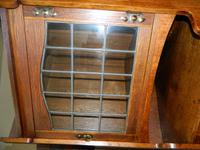 Pair of oak Arts & Crafts cabinets in the manner of Liberty (6 of 7)