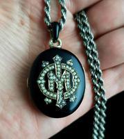 Victorian Mourning Locket, Black Enamel & Seed Pearl (13 of 13)