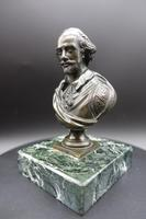 Well Modelled Late 19th Century Desk Bronze of William Shakespeare (3 of 5)