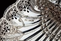 An Extremely Pretty Pair of Edwardian Silver Shell Dishes (7 of 7)