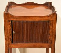 Matched Pair of Mahogany Bedside Cabinets / Tables (2 of 9)
