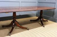 Late 19th Century English Figured Mahogany Triple Pillar Dining Table (3 of 14)