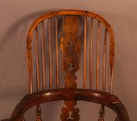 Very Good 19th Century Broad Arm Yew Windsor Chair (4 of 10)