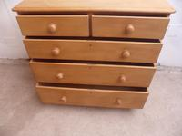 A Top Quality Victorian Large Waxed Antique/Old Pine 5 Drawer Chest of Drawers (4 of 9)