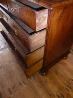Early 18th English Walnut Chest of Drawers (6 of 8)