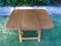 X Mouseman Beaverman Oak Drop Flap Coffee Table (5 of 12)