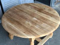 Round Farmhouse Dining Table with leaf (6 of 11)