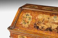 Mid 18th Century Venetian Lacquered and Gilded Bureau (5 of 8)