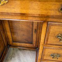Oak Knee-hole Desk (8 of 9)