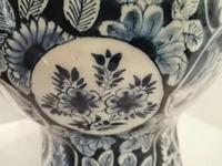 Superb 18th Century Dutch Delft Vase (8 of 10)