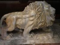 Pair Fine Early 20th Century Art Deco Italian Marble Male & Female Rampant Lions Sculptures (2 of 11)