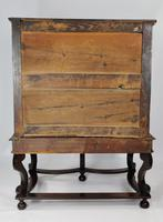 Late 17th Century Oak Chest on Stand (7 of 15)