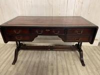 Regency Style Desk (4 of 5)