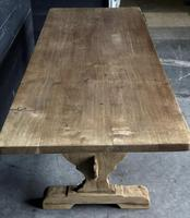 Trestle End Oak Farmhouse Dining Table (4 of 18)