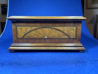 19th century French Walnut Inlaid Jewellery Box. (16 of 16)