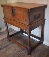 Italian Renaissance Cedar Box on Later Stand (6 of 13)