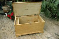 Fabulous & Restored Pine Blanket Box / Chest / Trunk / Coffee Table (8 of 9)