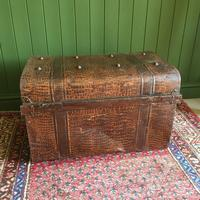 ANTIQUE Victorian Steamer TRUNK Old Tin Travel TRUNK Coffee Table Shabby Chic Metal Storage Chest (2 of 12)