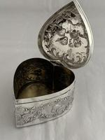 Large Victorian HEART Antique Silver Trinket / Jewellery Box 1898 W COMYNS (10 of 12)