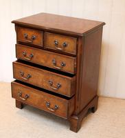 Small Proportioned Walnut Chest of Drawers (6 of 10)