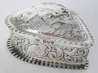 Charming Large Victorian Silver Heart Shaped Jewellery or Trinket Box (2 of 7)