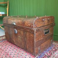 ANTIQUE Victorian Steamer TRUNK Old Tin Travel TRUNK Coffee Table Shabby Chic Metal Storage Chest (7 of 12)