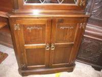 Linenfold Lead Glazed Corner Cabinet (2 of 2)