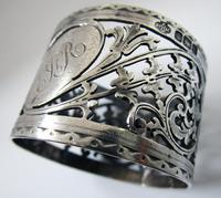 Pair of Antique English Victorian Style Solid Sterling Silver Serviette Napkin Rings. Cased / Original Box (7 of 7)