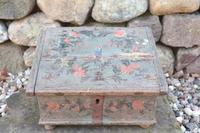 Scandinavian / Swedish 'Folk Art' Bridal / dowry chest, rosmålning heart & love bird decoration c.1780 (24 of 39)