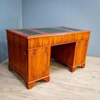 Yew Wood Effect Pedestal Desk (6 of 9)