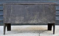 Handsome Early 18th Century Oak Coffer / Blanket Box / Chest c.1700 (8 of 8)