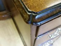 Small George II Kneehole Dressing Table (4 of 7)
